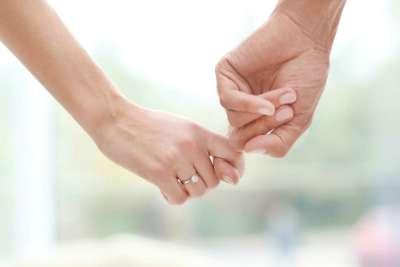 Quel doigt pour la bague de fiançailles ?