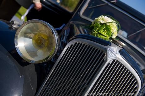 La décoration de la voiture pour un mariage