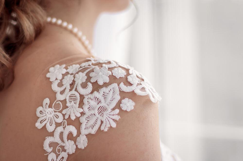 Les détails de la robe